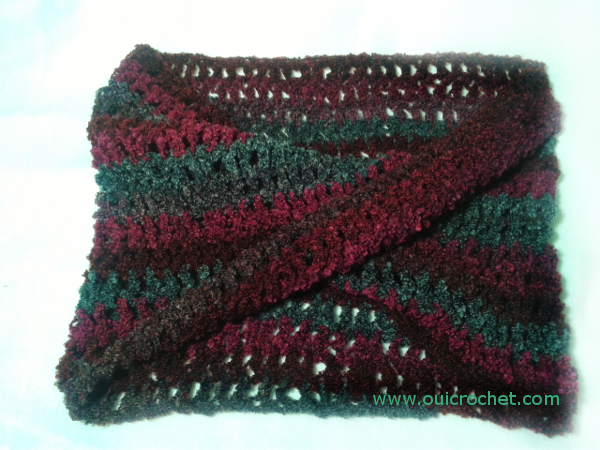With a Twist Infinity Cowl flat